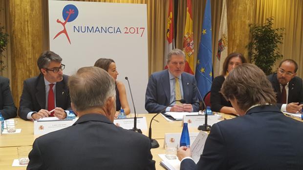 Íñigo Méndez de Vigo, ministro de Educación, Cultura y Deportes ha presidido la constitución de la Comisión Nacional de «Numancia 2017»