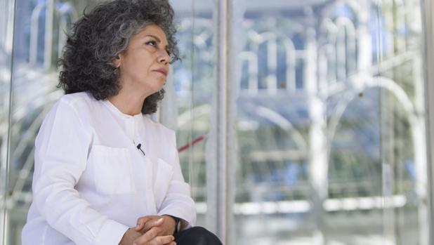 Doris Salcedo, en el Palacio de Cristal, sede de «Palimpsesto»