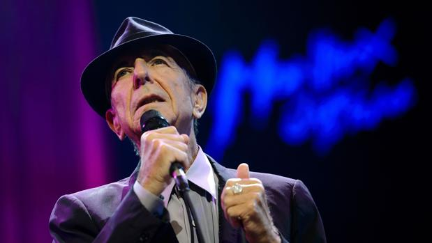 Leonard Cohen durante una de sus actuaciones