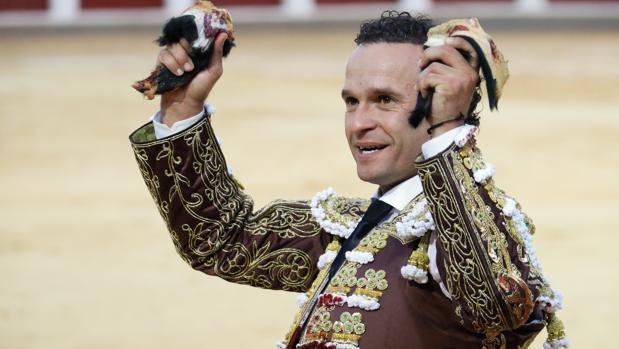 Antonio Ferrera en gesto triunfal