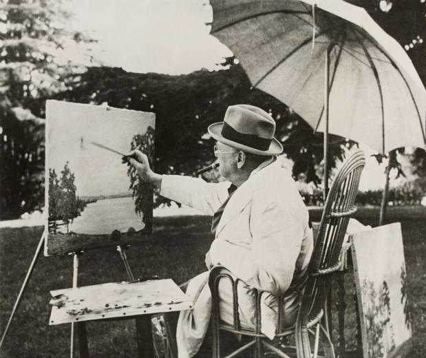 Winston Churchill pintando una de sus obras