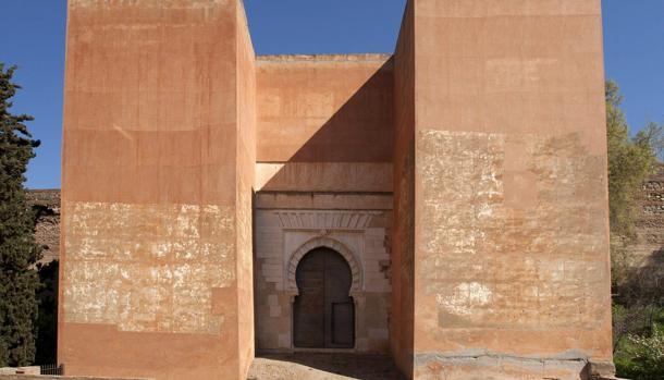 La Puerta de los Siete Suelos, en el conjunto munumental de la Alhambra