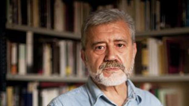 El historiador y editor Gonzalo Pontón, premio Nacional de Ensayo