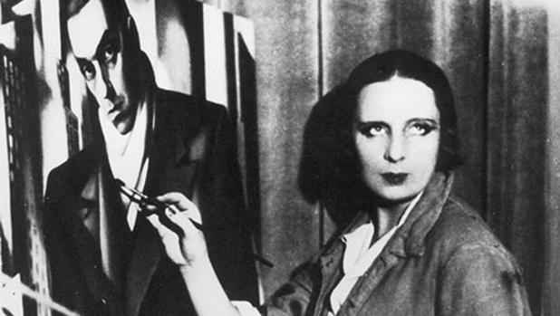Tamara de Lempicka pintando uno de sus retratos