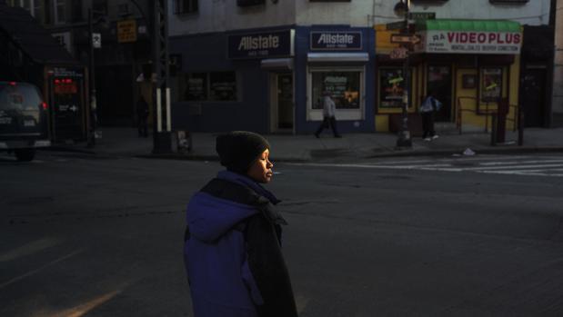«Woman with Golden Face. New York», de la serie «American Night»