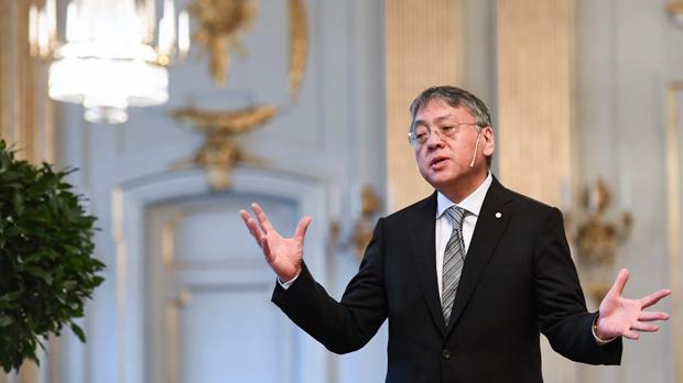 Kazuo Ishiguro, ayer en Estocolmo, durante su comparecencia anet la prensa