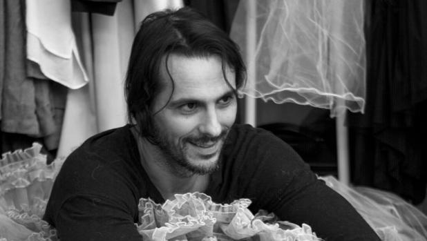 Igor Yebra, durante los ensayos de «Esto no es La Casa de Bernarda Alba»