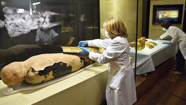 Imágen de archivo del análisis de una momia