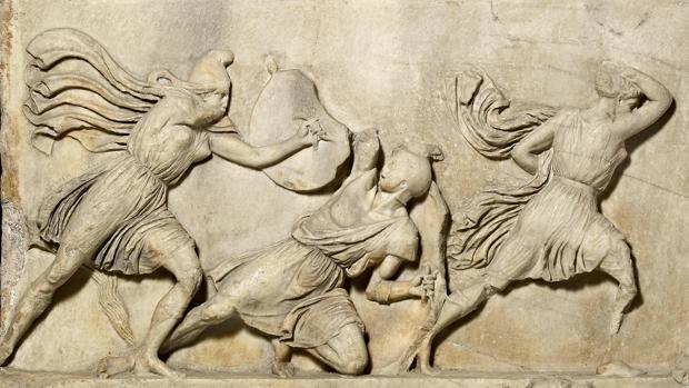 Detalle de un mármol perteneciente al mausoleo de Halicarnaso, presente en la muestra «Agón!»