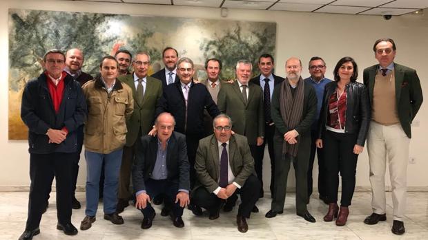 Los integrantes del jurado de los premios taurinos de la Fundación Caja Rural