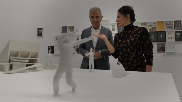 Ala Younis junto a Miguel Ángel Vázquez, frente a «Plan urbanístico para el gran Bagdad»