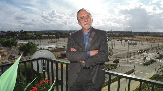 El escritor y miembro de la RAE, Luis Mateo Díez