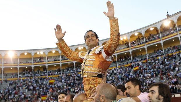 Iván Fandiño salió a hombros el 13 de mayo de 2014