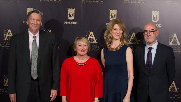 Photocall de la Academia de las Artes y las Ciencias Cinematográrfica. En el centro: Yvonne Blake (rojo)