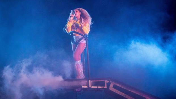 Beyoncé, en un momento de su actuación en Coachella
