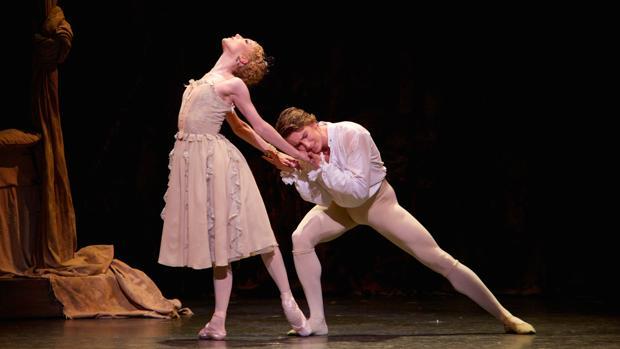 Sarah Lamb y Vadim Muntagirov, en el ballet «Manon», retransmitido el pasado 3 de mayo.
