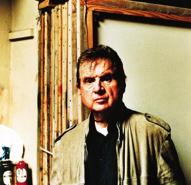 El pintor británico Francis Bacon, en su estudio londinense