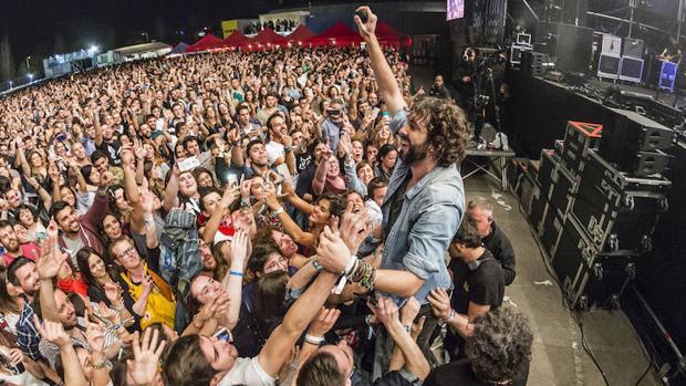 Mikel Izal, en comunión con sus fans en Mallorca
