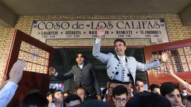 Diego Ventura y Andy Cartagena salen a hombros