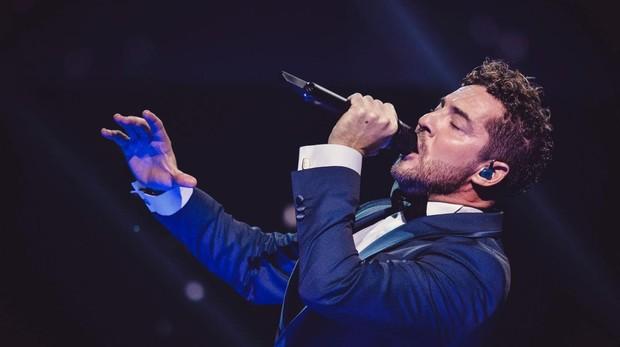 David Bisbal actuando en el 30 aniversario Premios Lo Nuestro