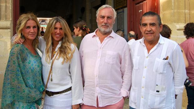 Teresa de la Cierva, Los Duques de Terranova y Jaime Martínez-Bordiú