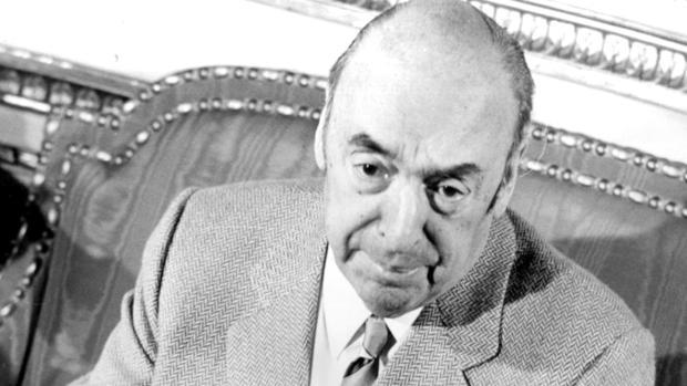 Pablo Neruda: con los pies en la tierra y en el cielo