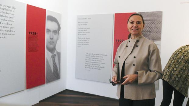 La sobrina del poeta nacido en Fuente Vaqueros, Laura García Lorca, durante la inauguración de la exposición