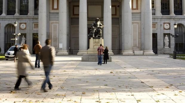 Los españoles gastan un 6 por ciento menos en cultura, 288 euros al año