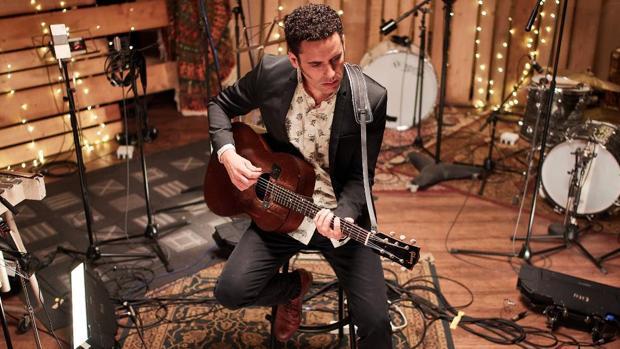 El artista madrileño Jairo Zavala, en la grabación de su último disco