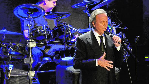 Julio Iglesias, Grammy honorífico a toda su trayectoria