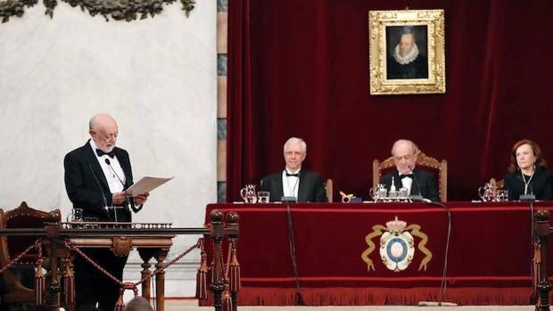 García Gual, durante la lectura de su discurso de ingreso en la RAE
