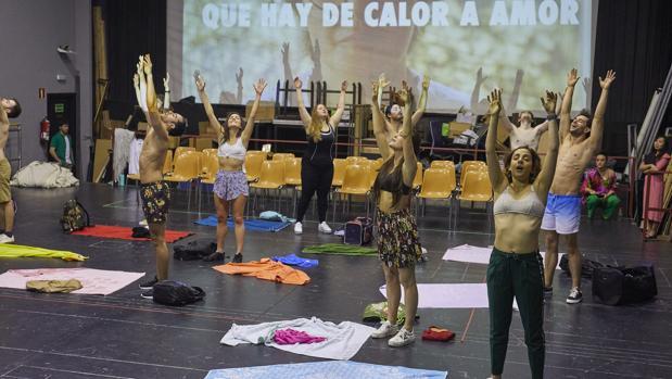 Un momento de los ensayos de «La verbena de La Paloma»