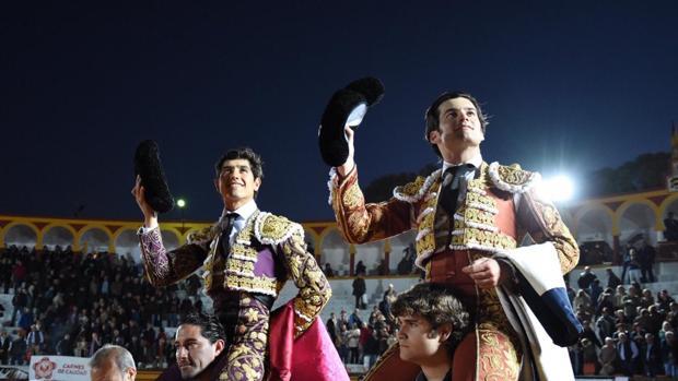 Luis David y Garrido salen a hombros