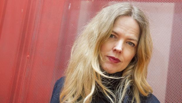 Christina Rosenvinge: «Los españoles somos muy dados a tirarnos piedras contra nuestro propio tejado, nos encanta odiarnos»