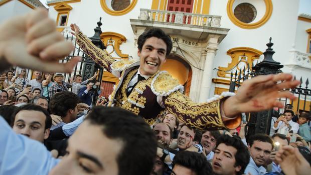 Pablo Aguado fue el gran triunfador cortando cuatro orejas a los toros de Jandilla