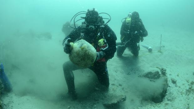 Los secretos del galeón de Ribadeo, por fin al alcance de los arqueólogos
