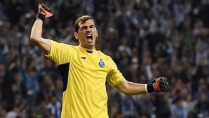 La Nochevieja más loca de Casillas en Twitter