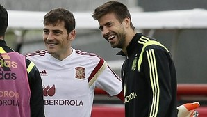 El combate verbal entre Piqué y Casillas acaba en empate