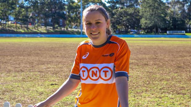 La árbitro internacional, Amy Perrett