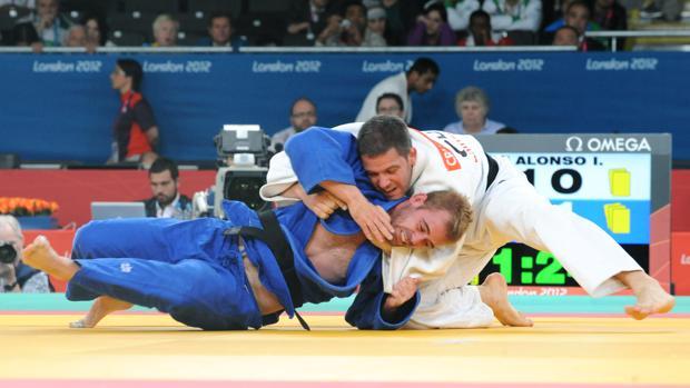 Abel Vázquez (de azul), durante su participación en los Juegos Paralímpicos de Londres