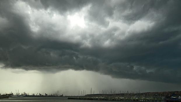 Suspendida la regata en Santander por aviso de galerna