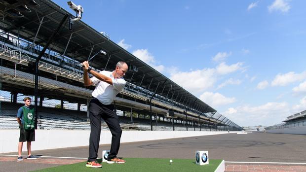 Matt Kuchar dio el saque de honor del torneo del Centenario de BMW