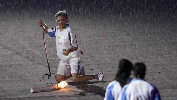 Marcia Malsar se cae durante la ceremonia de apertura de los Juegos Paralímpicos de Río