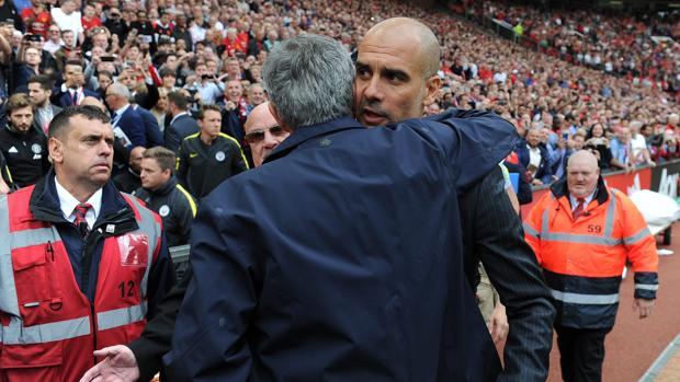 Mourinho se fundió en un abrazo con Guardiola