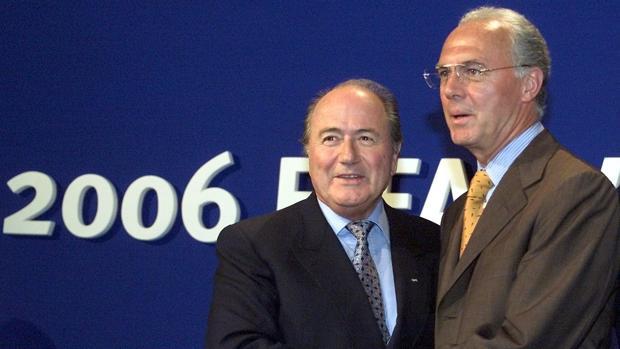 Beckenbauer, con Blatter