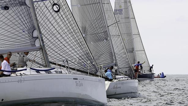 Las flotas vasca y cántabra se miden entre Getxo y Castro Urdiales