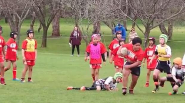 El niño samoano de nueve años tan poderoso como Jonah Lomu
