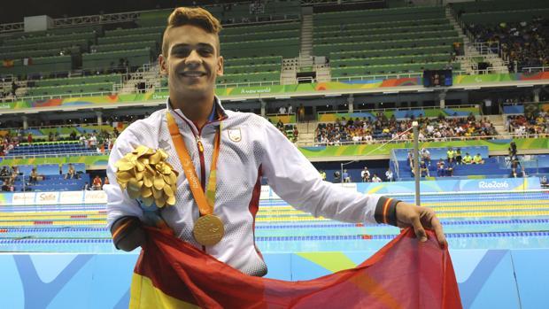 Óscar Salguero, tras recoger la medalal de oro