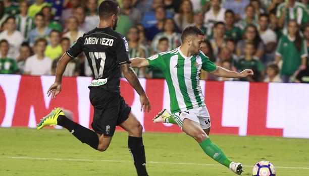 La Liga:  Tablas entre Betis y Granada en un partido loco