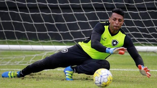 Tremenda chilena del portero del Botafogo